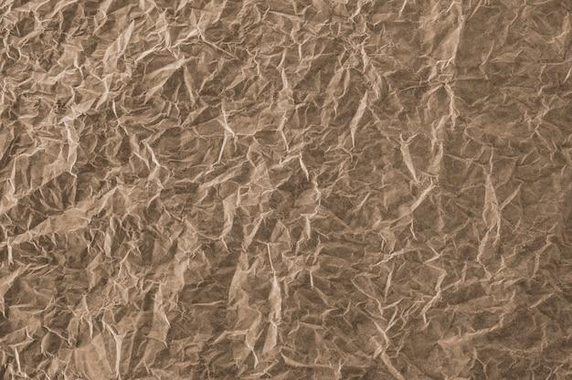 Papier brun froissé