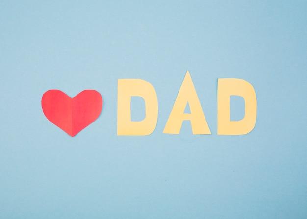 Papier coeur rouge et titre papa