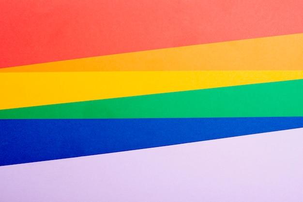 Papier coloré arc en ciel plat