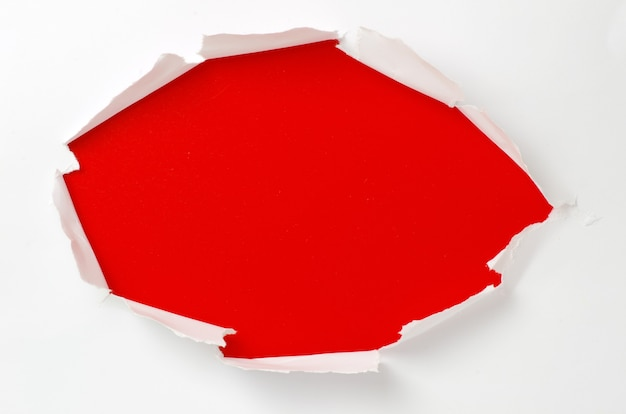Papier déchiré avec un espace pour votre message
