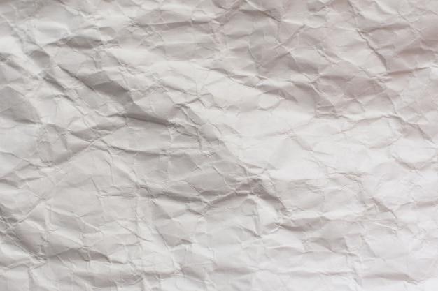 Papier d'emballage artisanal froissé