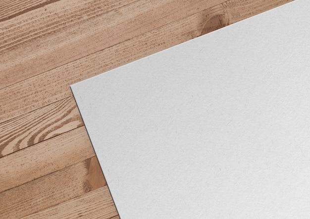 Papier sur fond en bois