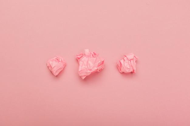 Papier froissé coloré