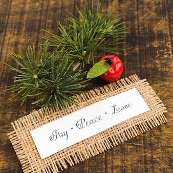 Papier avec inscription joy peace love