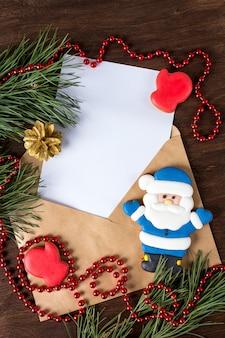 Papier à lettres enveloppe, pain d'épice et ornements de noël