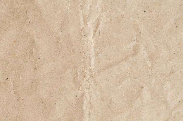 Papier marron recyclé abstrait froissé pour le fond