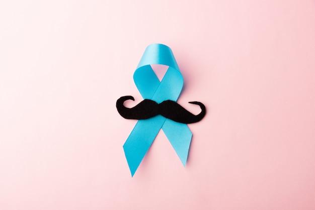 Papier moustache noir et ruban bleu clair