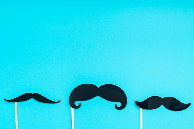 Papier moustaches pour homme pères concept papa