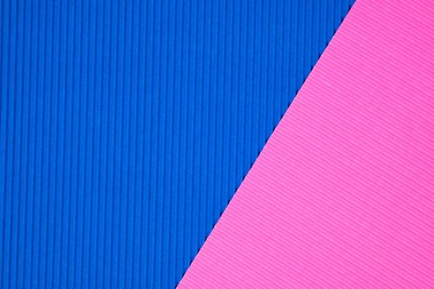 Papier ondulé bleu et rose