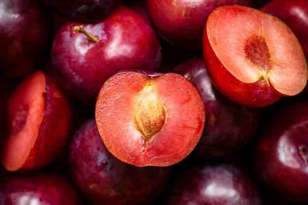 Papier peint d'été à motifs prune rouge