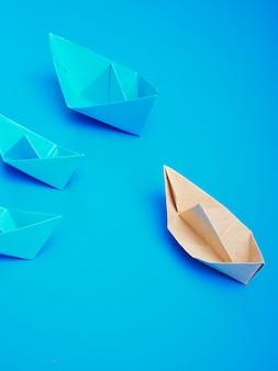 Papier pour bateau concept origami