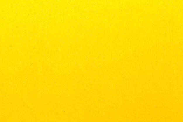 Papier de verre jaune pour le polissage. utilisé dans les travaux de construction