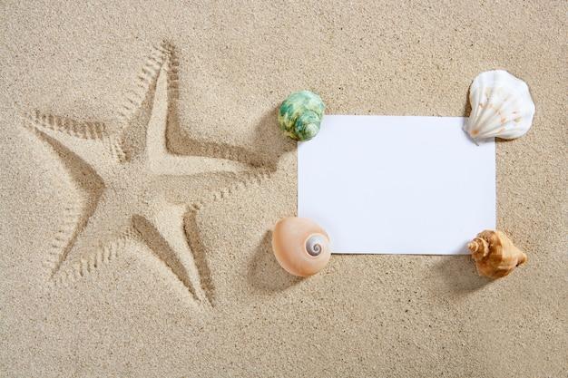 Papier vierge plage sable étoiles de mer pinte coquillages été