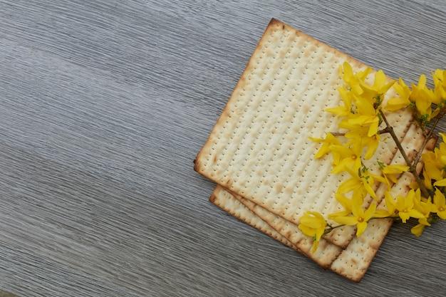 Pâque pâza pâque avec et pain de pâque juif matzoh