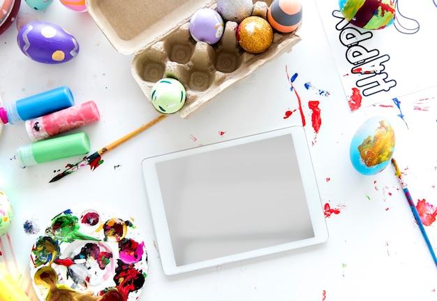Pâques Traditionnel Pour Peindre Des Oeufs. Photo Premium