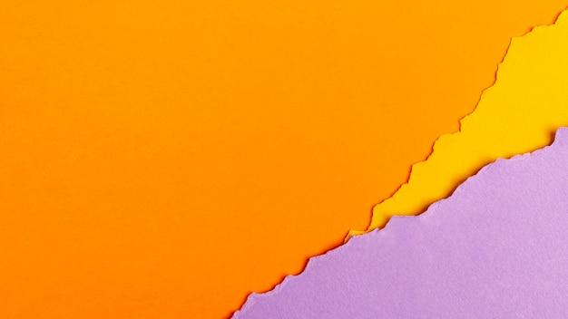 Paquet de feuilles de papier colorées avec espace de copie