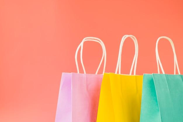 Paquets d'achats colorés