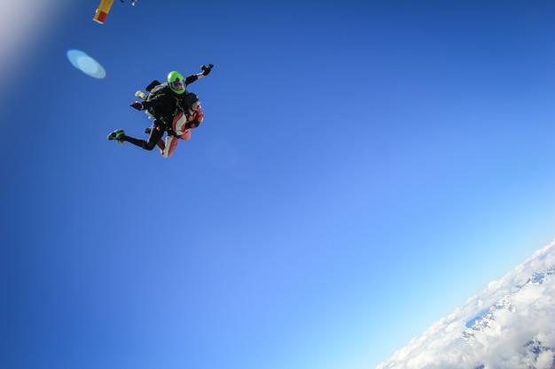 Parachutisme en tandem premières secondes de chute libre franz josef nouvelle-zélande
