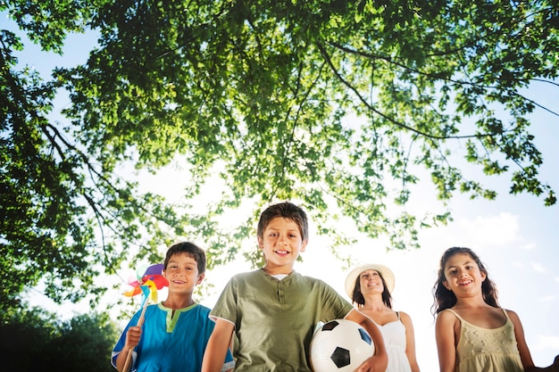 Parc football jouer concept d'activités ludiques et relaxantes