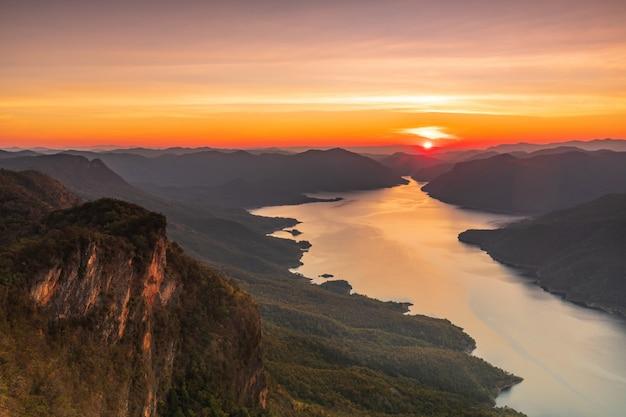 Parc national de mae ping en thaïlande
