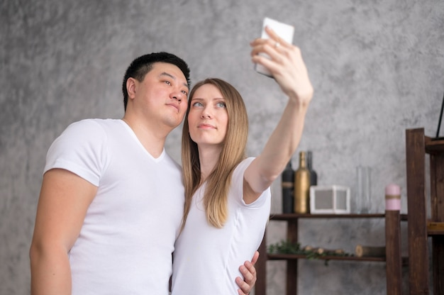 Parents prenant selfie