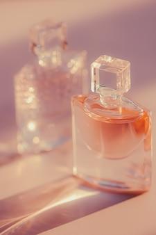 Parfumerie florale de parfum de matin comme produit de beauté et cosmétique de luxe