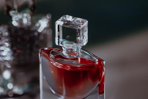 Parfumerie de parfum glamour comme produit de beauté et cosmétique de luxe