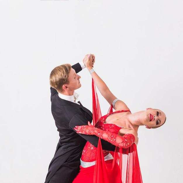 Partenaires dansant danse de salon