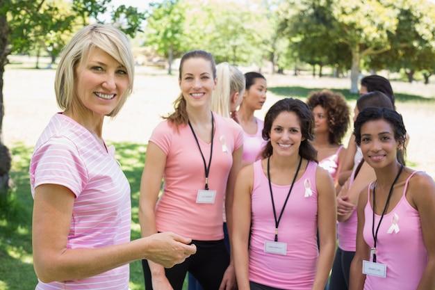 Des participants confiants à la campagne contre le cancer du sein