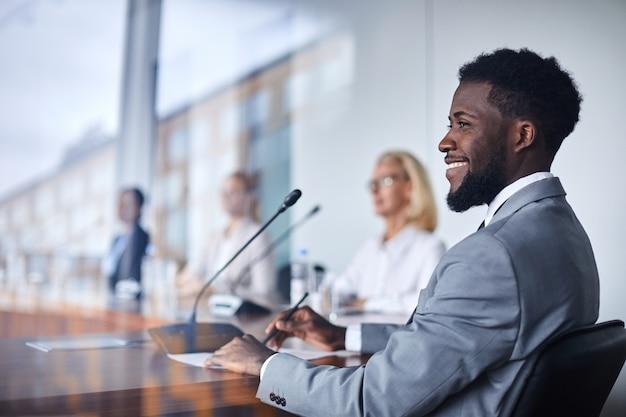 Participer à une conférence