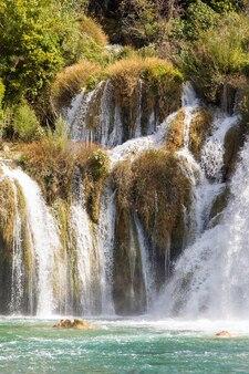 Une partie de la célèbre cascade skradin buk en croatie