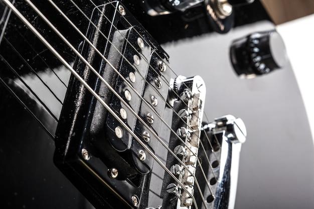 Parties de guitare électrique