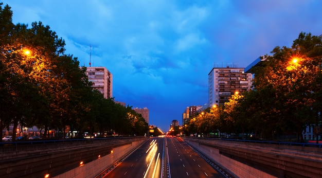 Paseo de la castellana dans le district de chamartin. madrid
