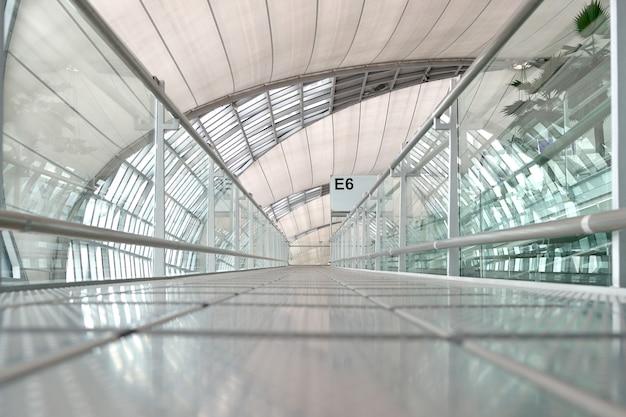 Passerelle de l'aéroport de suwannabhumi