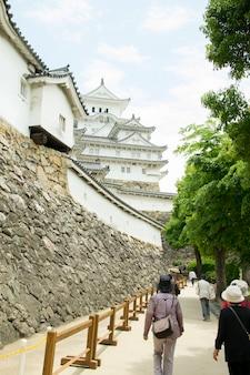 Passerelle vers le château de himeji.