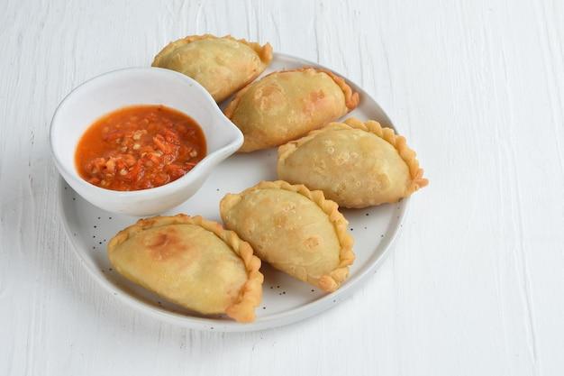 Pastel goreng est une pâtisserie populaire en indonésie