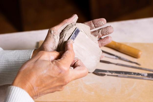 Pâte à modeler pour gros plan de poterie