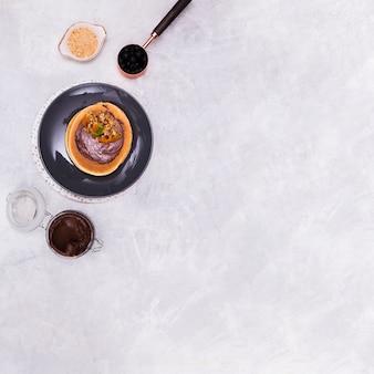 Pâte à tartiner au chocolat sur l'espace copie de crêpes