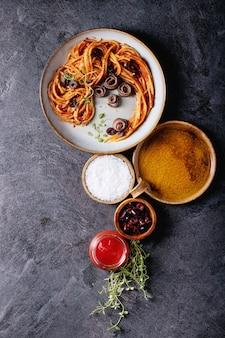 Pâtes d'anchois spaghetti italiennes classiques