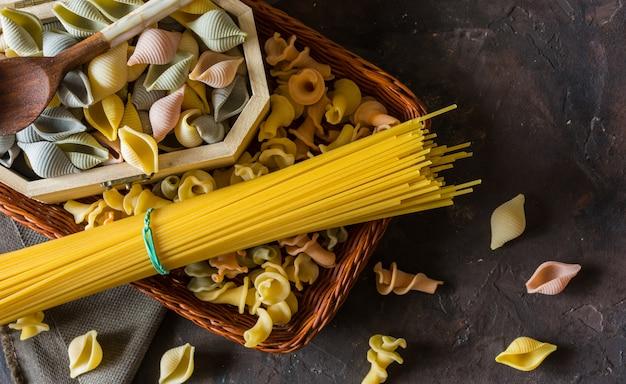 Pâtes conchiglie italiennes typiques