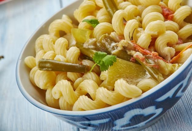 Pâtes macaroni masala, pâtes à l'indienne