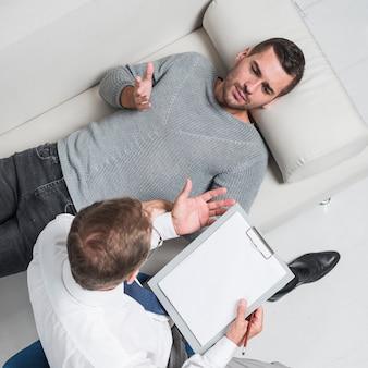 Patient sur le divan