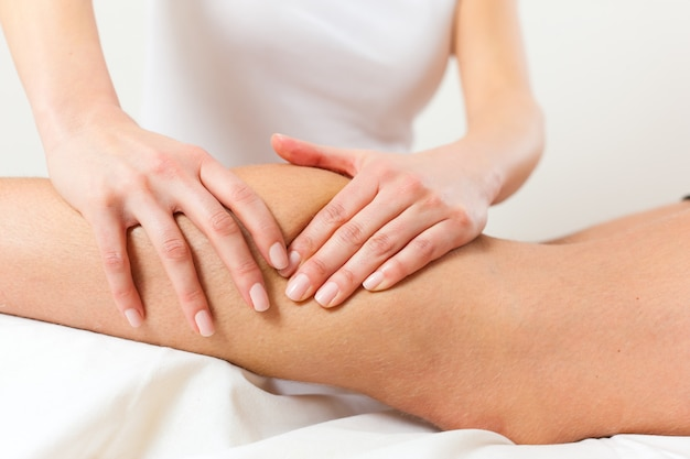 Patient à la physiothérapie - massage