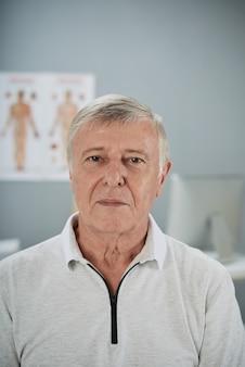 Patient senior
