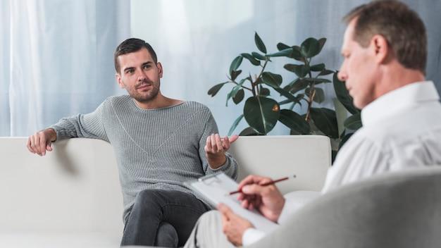 Patient avec thérapeute