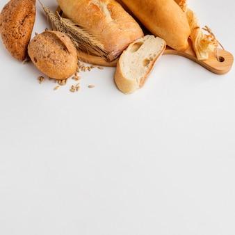 Pâtisserie différente avec de l'herbe de blé