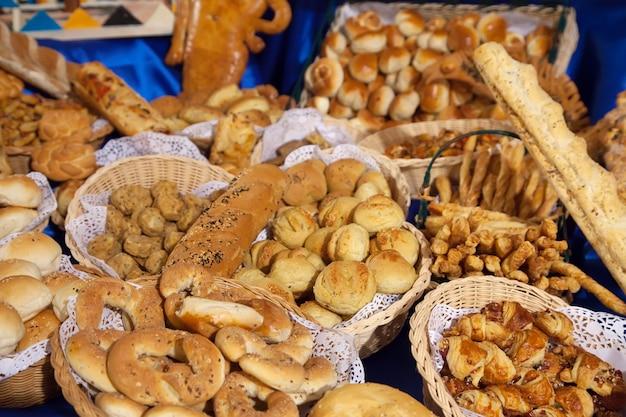 Pâtisserie fraîche sur table