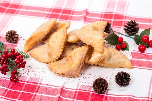 Pâtisserie portugaise typique aux pois chiches ou patates douces pour la saison de noël.
