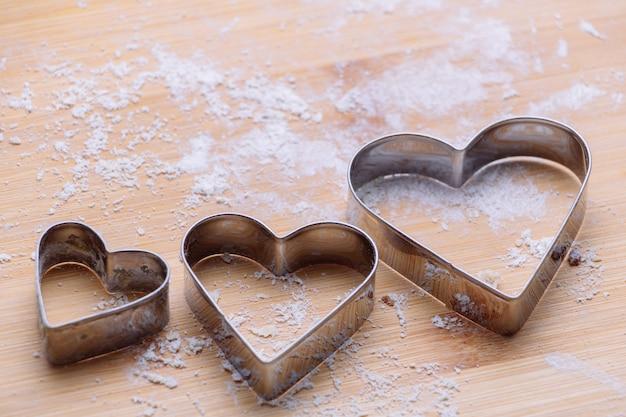 Pâtissier sur planche de bois