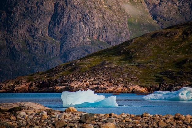 Paysage dans les fjords de narsaq
